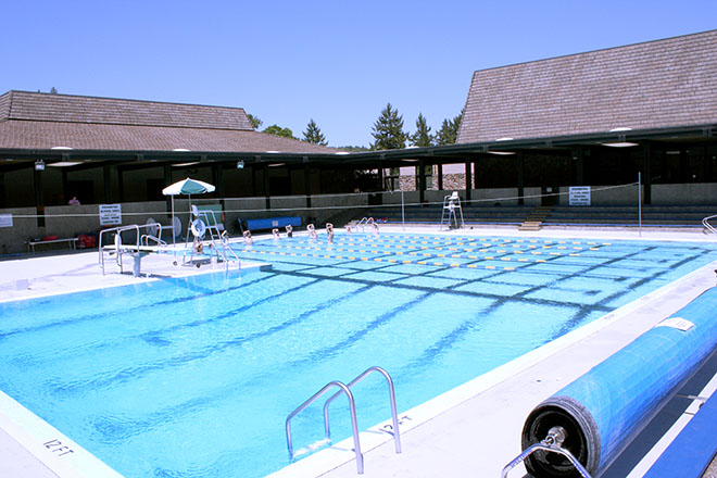 Students participate in a swim fitness class in the summer of 2010.